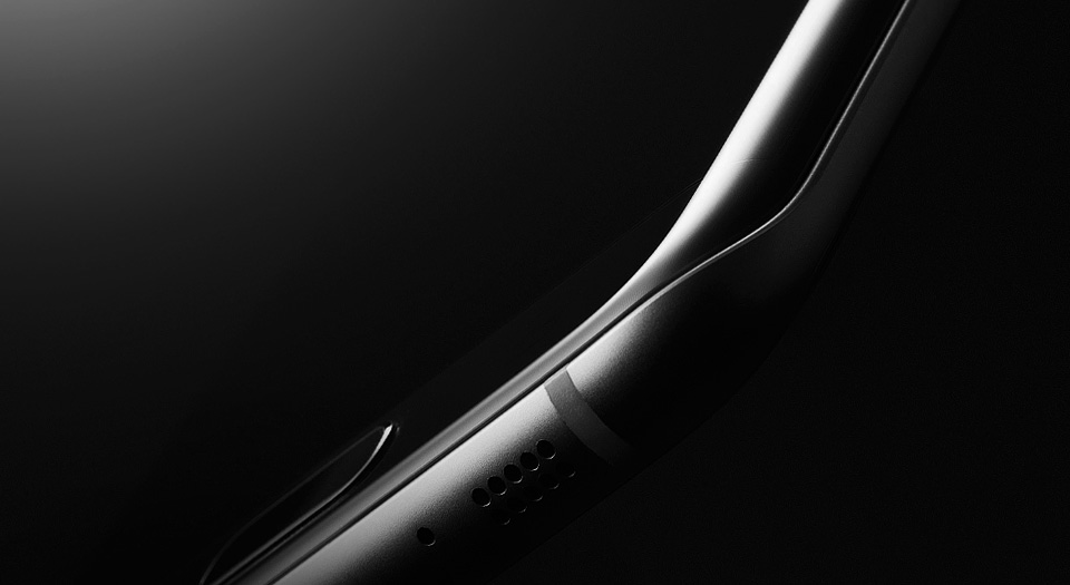 Close Up Of Curved Glass Galaxy S7 Edge